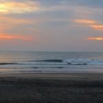 今朝の波と 臨時休業のお知らせ